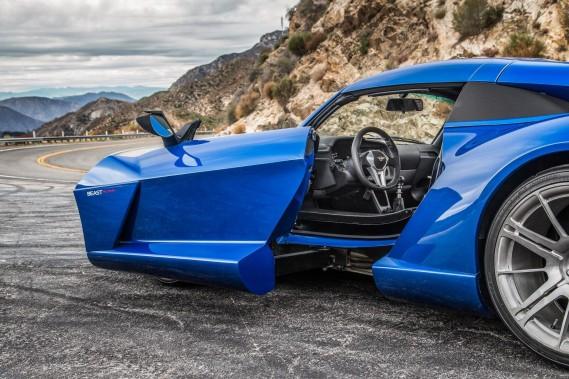Les portes du coupé Rezvani Beast Alpha s'ouvrent latéralement. (Toutes les photos : Rezvani Motors)
