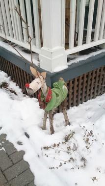 Le renne fait de buches. (Mélanie Dufour)