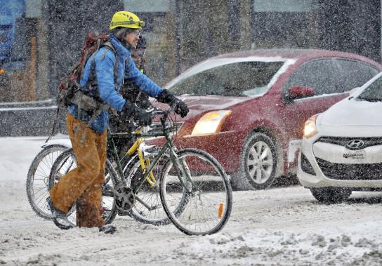 Des cyclistes ont bravé la tempête (Patrice Laroche)