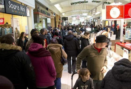 La journée des soldes de l'Après-Noël est toujours très occupée au Centre commercial les Rivières. (Sylvain Mayer)