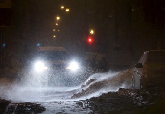 Les déplacements étaient difficiles sur les routes de Québec mercredi matin. (Le Soleil, Yan Doublet)