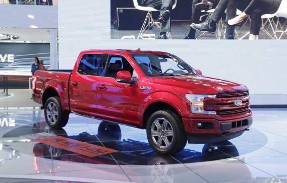 Le Ford F-150 2018 sera offert avec un moteur diesel. (AP)