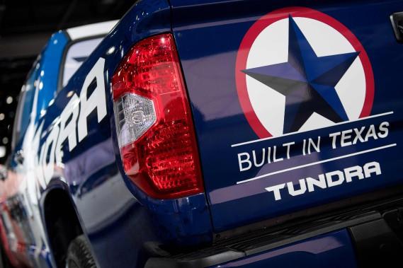 Un Toyota Tundra pavoisant l'étoile texane et le slogan : «Construit au Texas». (AFP)