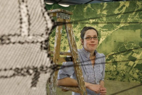Mylène Michaud met en dialogue l'artisanat et la technologie. (Le Soleil, Caroline Grégoire)