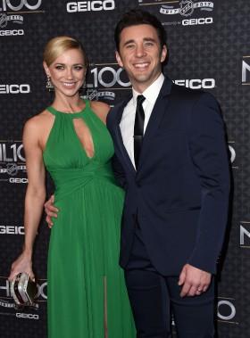 Le couple formé des comédiens Billy Flynn et Gina Comparetto était également présent. (Photo CHRIS DELMAS, Agence France-Presse)