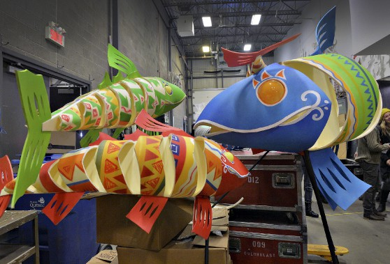 Des poissons multicolores font partie des nouveaux animaux représentés au défilé. (Le Soleil, Patrice Laroche)