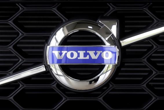 Le centre de sécurité de Volvo rasé par un incendie