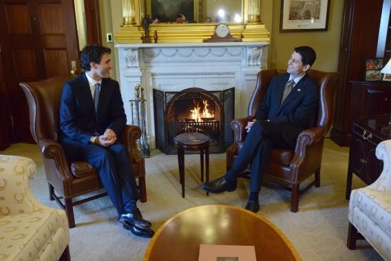 Le premier ministre Trudeau s'est entretenu avec le président de la Chambre des représentants Paul Ryan. (Photo Sean Kilpatrick, PC)