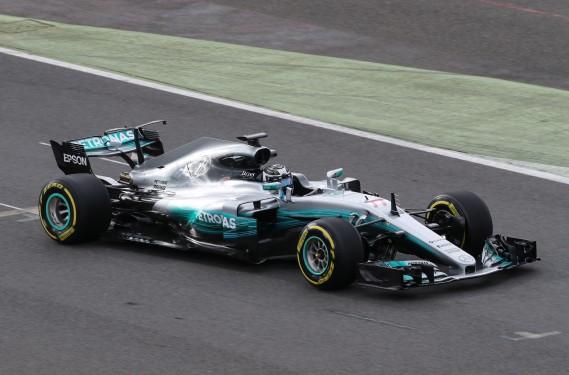 Le Finlandais Valtteri Bottas au volant de la nouvelle Mercedes au circuit Silverstone. (REUTERS)
