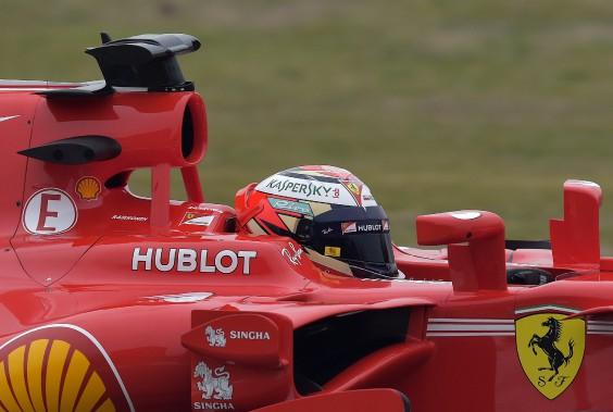 Le Finlandais Kimi Raikkonen a piloté la SF70H ce matin au circuit privé Ferrari Fiorano à Maranello, en Italie. (AP)