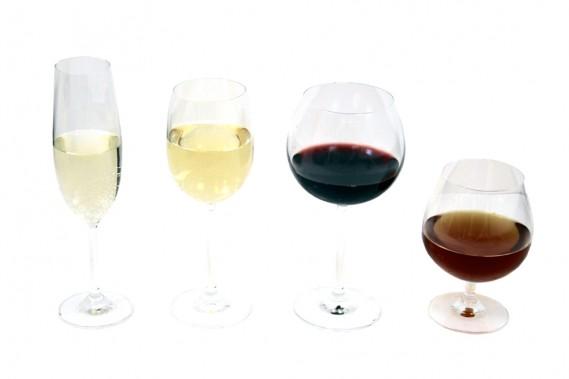 La France, c'est le pays du vin, du champagne, du cidre, du calvados, du Cointreau et du cognac. Flute à champagne en crystal Bohemia de Trudeau, coupe à vin blanc Azzura de Trudeau, verre à bourgogne Azzura de Trudeau, verre Brandy de la collection Azzura pour servir le cognac, le calvados ou l'armagnac. (Mélissa Bradette)