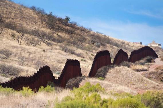 Une section de la clôture, à Nogales, en Arizona (AFP, Jim Watson)