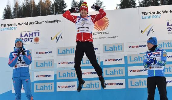 L'athlète originaire de Saint-Ferréol-les-Neiges ne cachait pas sa joie sur le podium. (PHOTO Christof STACHE, AGENCE FRANCE-PRESSE)