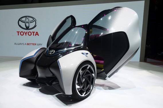Toyota a présenté son prototype i-TRIL électrique. (AFP)