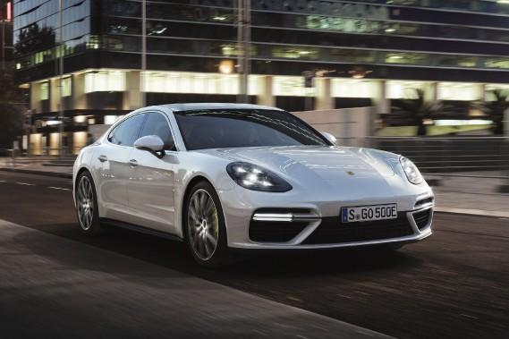 Porsche électrifie sa Panamera