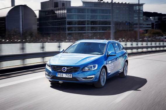 D'ici la fin de l'année, le programme Drive-Me de Volvo mettra sur la route 100 Volvo S60 dans les rues de Göteborg, en Suède. Ces voitures sont autonomes dans certaines conditions. (Photo : Volvo)