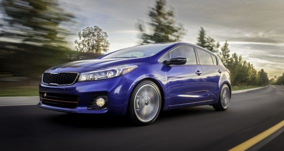 Elle a l'air très dynamique, mais c'est une voiture qui privilégie le confort. ()