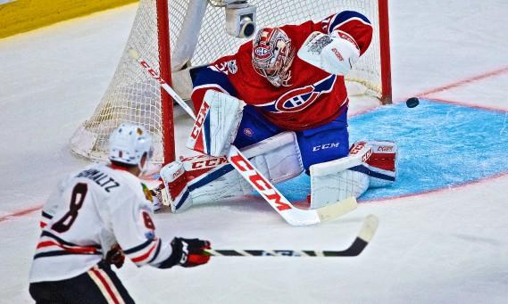 Carey Price cède sur un tir de Johnny Oduya. (Photo André Pichette, La Presse)