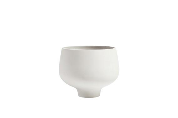 Jardinière d'intérieur et d'extérieur Bulb, faite de céramique brute, trois formats entre 12,99 $ et 39,99 $ chez EQ3 (Fournie par EQ3)