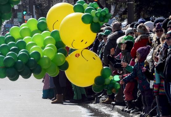 L'organisation attendait quelque 50 000 visiteurs le long de l'avenue Cartier et de la Grande Allée pour célébrer la fête des Irlandais. (Le Soleil, Erick Labbé)