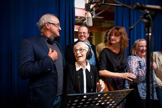 Janine Sutto faisait partie de l'enregistrement de la chanson «On dit» pour les 75 ans de l'UDA. (André Pichette, archives La Presse)