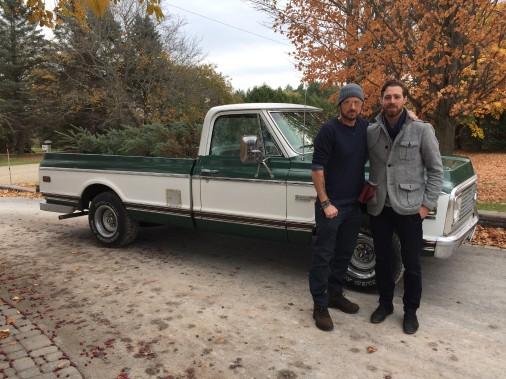 <strong>La voiture de ses rêves</strong> «J'apprécie l'esprit d'aventure que procure le pick-up. J'aime beaucoup le vieux pick-up Chevrolet Cheyenne qui est dans le vidéoclip que j'ai fait avec Corey Hart,<em>Driving Home for Christmas</em>, il est absolument superbe, j'en rêve.» (Photo fournie par Jonathan Roy)
