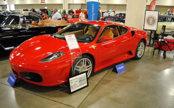 Une ancienne Ferrari de Donald Trump mise aux enchères