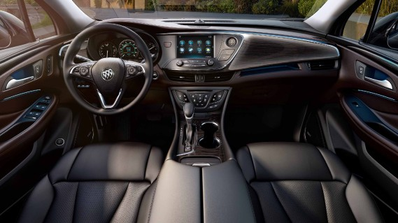 La liste des caractéristiques est impressionnante et Buick veille à offrir le dernier cri en matière de sécurité (active et passive) et de connectivité, et ce, à prix très concurrentiel par rapport aux compétiteurs ciblés - Audi A5 et Acura RDX. ()