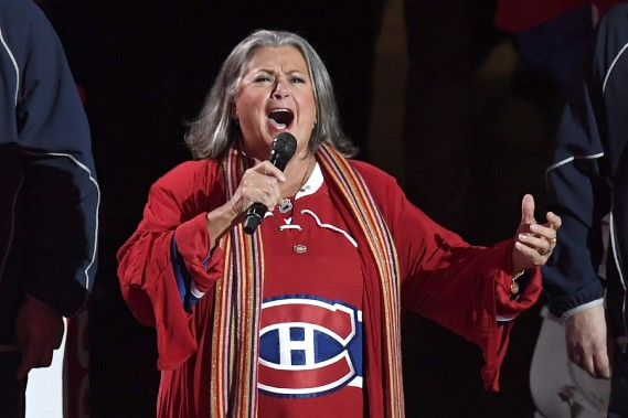 Oui, Ginette Reno a encore une fois chanté l'hymne national canadien. (Photo Bernard Brault, La Presse)