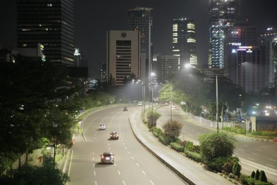 <strong>Mobilier urbain connecté</strong> La technologie V2V ira de pair avec du mobilier urbain connectéŽ, comme des lampadaires et des feux de circulation envoyant des signaux aux véŽhicules environnants. (Photo: Philips) ()