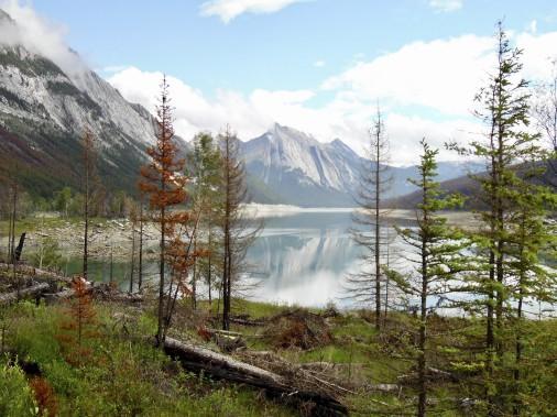Le Medicine Lake,à 15 km de Jasper, réputé pour ses variations importantes d'eau. (Collaboration spéciale Normand Provencher)