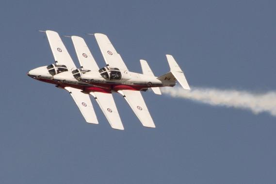Les Snowbirds en pleine action dans le ciel de Gatineau (Martin Roy, Le Droit)