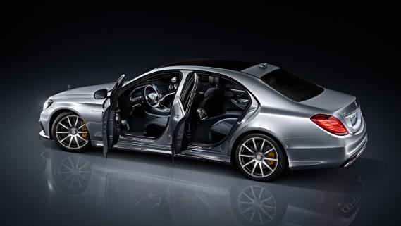 <strong>La voiture de ses rêves (2)</strong>Ses goûts s'étant précisés, il préfère la Mecedes S63 AMG. ()