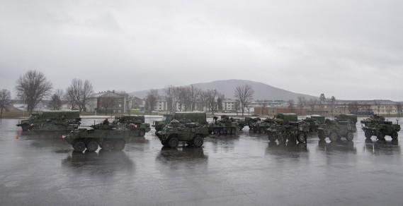 Tous les escadrons d'intervention immédiate de Valcartier seront déployés aujourd'hui. Chaque escadron comprend environ 75 soldats et entre 15 et 30 véhicules de combat. (Photo fournie par Sgt Marc-André Gaudreault, Service d'imagerie Valcartier)