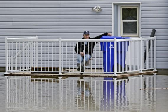 Attendre que le niveau d'eau baisse. (Patrick Woodbury, Le Droit)