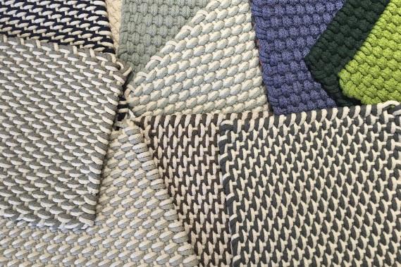 Carpettes de fibres recyclées, pour l'intérieur et l'extérieur, traitées contre la décoloration, adaptées aux intempéries, offertes en plusieurs formats, à partir de 136 $ chacun (2 pieds par 3) Au Loft (fournie par Au Loft)