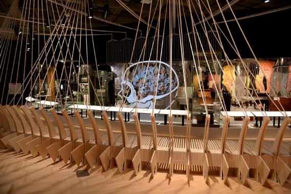 Pas moins de 7 kilomètres de corde relient les différentes parties de l'exposition, représentant les 180 000 km que mesureraient toutes les connexions de nos neurones si on les mettait bout à bout. (Le Soleil, Erick Labbé)