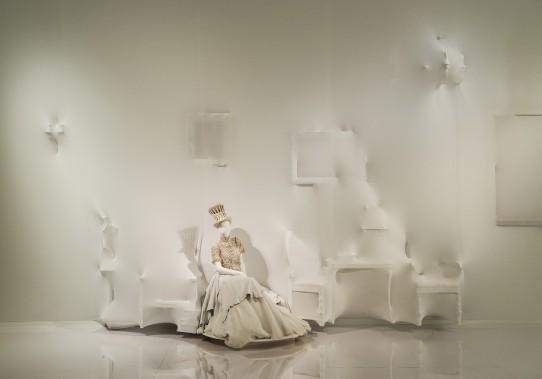 Vue de l'exposition Love Is Love : le mariage pour tous à la Jean Paul Gaultier, Musée des beaux-arts de Montréal, 2017. (Photo Denis Farley)