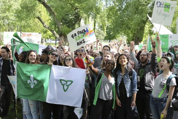 Des milliers de francophones réunis pour faire d'Ottawa une ville bilingue. (PATRICK WOODBURY, LeDroit)