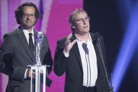 Alexis Martin et Louis Bélanger sont repartis avec le prix du meilleur scénario pour <em>Les mauvaises herbes</em>. (OLIVIER JEAN, LA PRESSE)