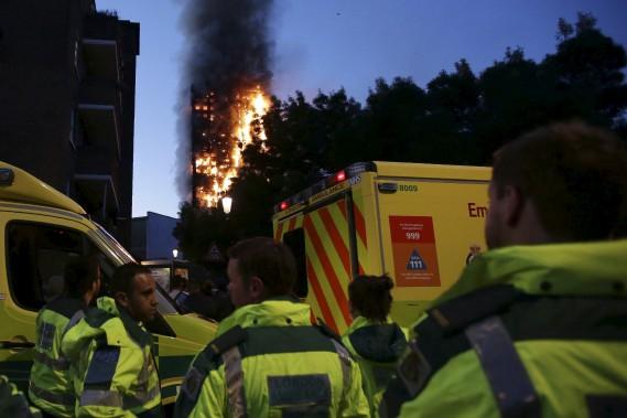 Les flammes ont dévoré la tour Greenfell, dans le quartier Kensington Nord, dans l'ouest de Londres. (AFP, Daniel Leal-Olivas)