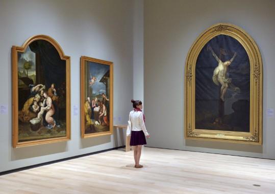 Quelque 70 formats géants sont réunis dans <i>Le fabuleux destin des tableaux des abbés Desjardins</i>. (Le Soleil, Patrice Laroche)