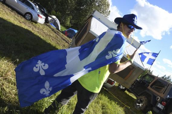 Le drapeau du Québec était visible un peu partout dans la région. (Michel Tremblay)