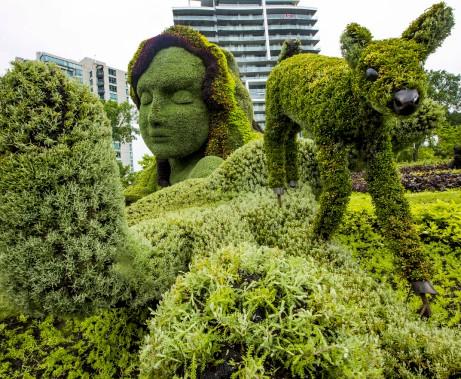 MosaïCanada ouvre officiellement ses portes vendredi au parc Jacques-Cartier. Le site pourra être visité jusqu'au 15 octobre prochain. (Simon Séguin-Bertrand, Le Droit)