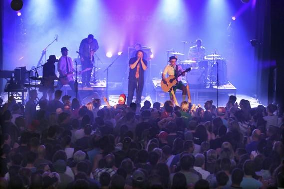 Les Cowboys fringants ont lancé la 34 édition du Festival de la chanson de Tadoussac. (Le Quotidien, Michel Tremblay)