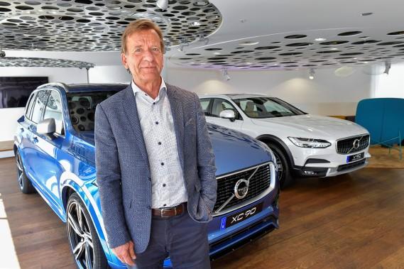 C'est le début de la fin de l'auto mue par moteur à combustion interne chez Volvo. Le patron de Volvo, Håkan Samuelsson, a annoncé que tous les nouveaux modèles Volvo seront hybrides ou tout électriques dès 2019. (photo : agence TT Nyhetsbyrån via REUTERS)