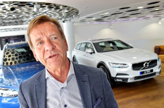 Le patron de Volvo, Håkan Samuelsson, a annoncé que tous les nouveaux modèles Volvo seront hybrides ou tout électriques dès 2019. (photo : agence TT Nyhetsbyrån via REUTERS)
