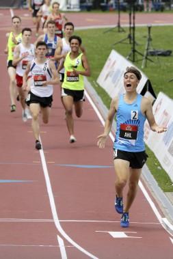 Aaron Ahl au 1500 mètres dans la catégorie U20. (PATRICK WOODBURY, Le Droit)