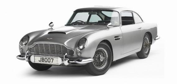 La voiture de ses rêves : l'Aston Martin1963DB5 de James Bond. «Je vois plus ça avec l'esprit d'un collectionneur, comme ceux qui collectionnent les cartes de hockey ou les grands vins. Celle-ci est magnifique. Un rêve un peu fou.» ()