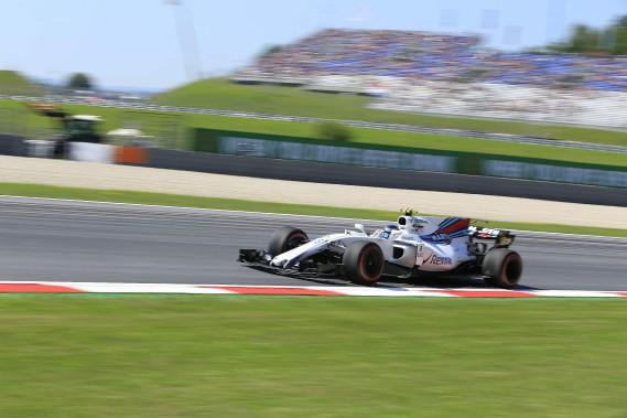 Lance Stroll a indiqué avoir connu des problèmes d'adhérence avec sa voiture lors des essais libres de vendredi sur le Red Bull Ring de Spielberg, en Autriche. (AFP)
